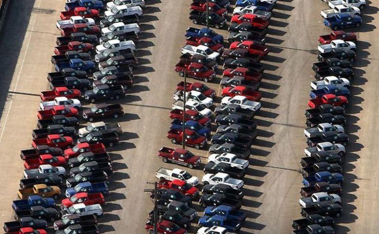 Это кладбище новых пикапов Ford в Детройте. авто, факты