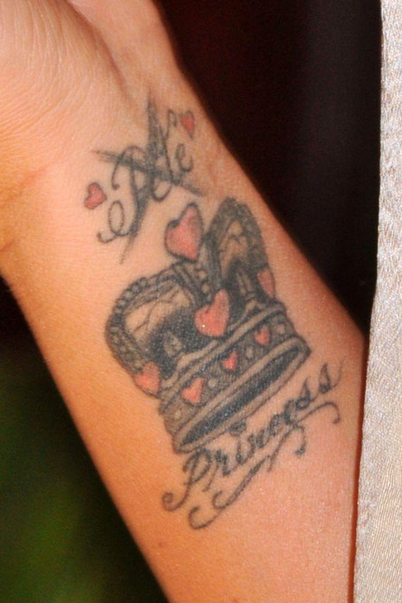татуировки звезд девушек фото