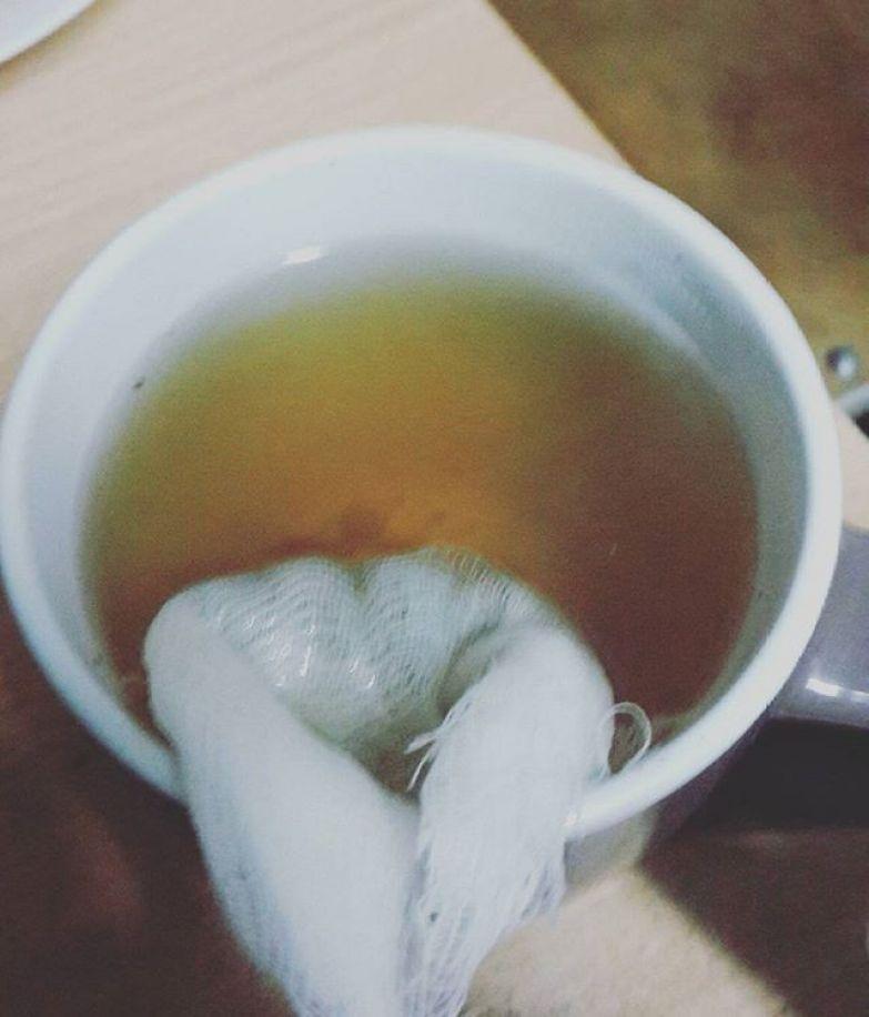 Не видели как заваривают чай в марле? общага, общежитие, прикол, студенты