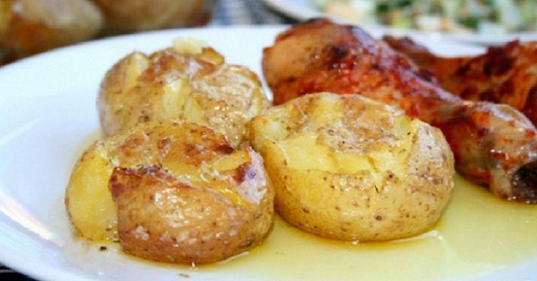 как запечь картофель в кожуре в духовке