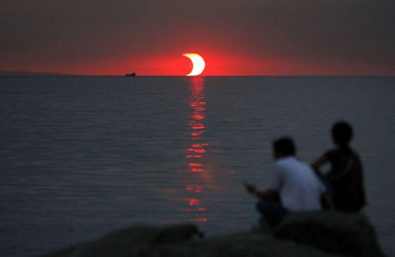 6. Затмение и закат одновременно: интересные фото, удивительное рядом, факты