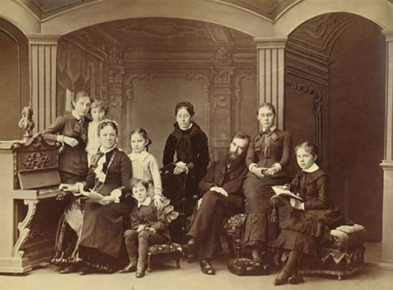 Семья Павла и Веры Третьяковых, 1884 | Фото: tretyakovgallery.ru