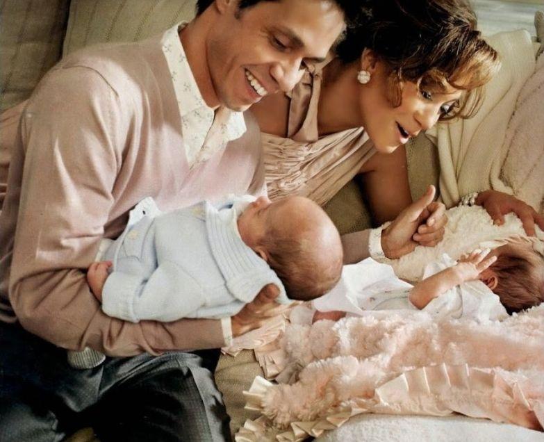 """С Марком Энтони свадьба состоялась в 2004 году. У них родились близнецы. Однако в 2011 брак распался, звезда описала причину так: """"Я все время чувствовала давление"""" любовники, романы знаменитостей"""