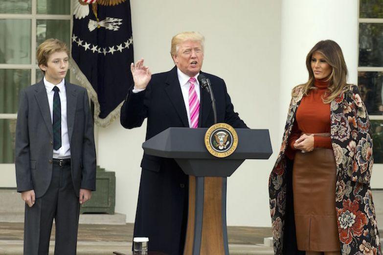 Бэррон, Дональд и Мелания Трамп