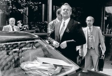 Когда Макаревич уже был Макаревичем, Путин ещё носил чемоданы за Собчаком 1