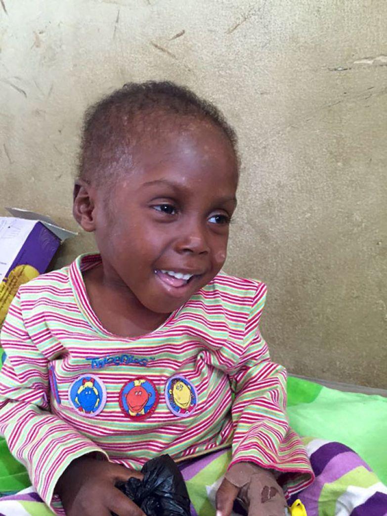 """""""Вот, что делает жизнь такой красивой и ценной, пусть фотографии говорят сами за себя"""" мальчик, нигерия, спасение"""