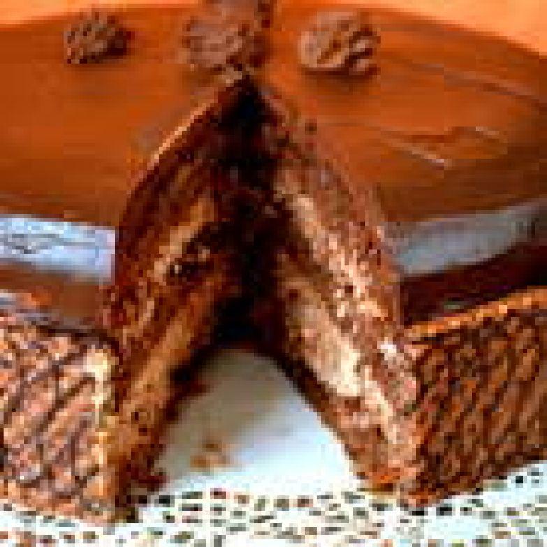 Торту лучше дать постоять ночь в холодильнике. То есть, на второй день он намного вкуснее!...