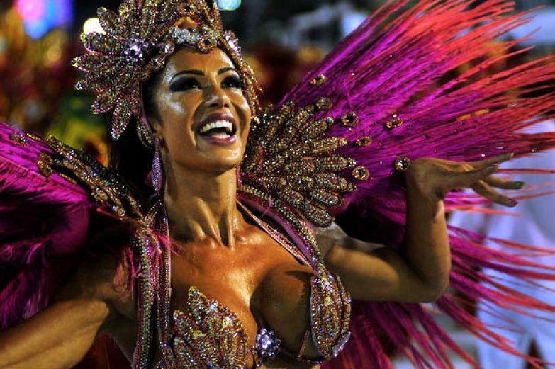 Бразильянки гордятся своими попами фото 569-477
