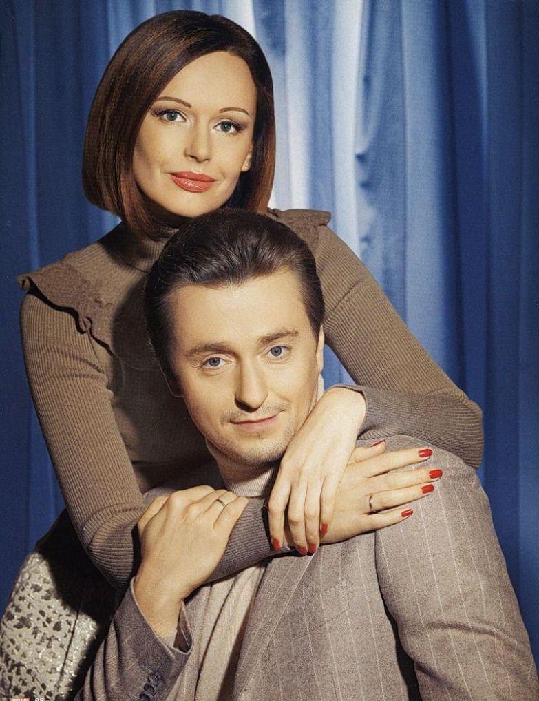 Безруков фото с женой и детьми
