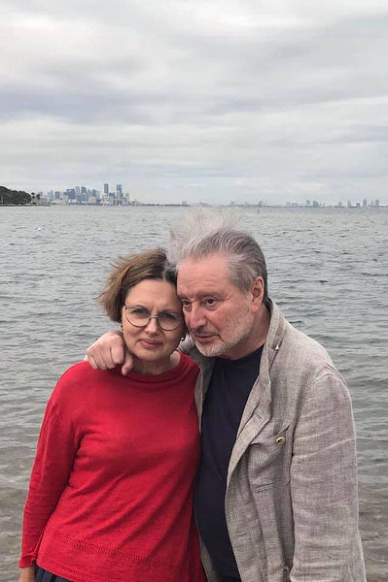 40 лет артист счастлив во втором браке