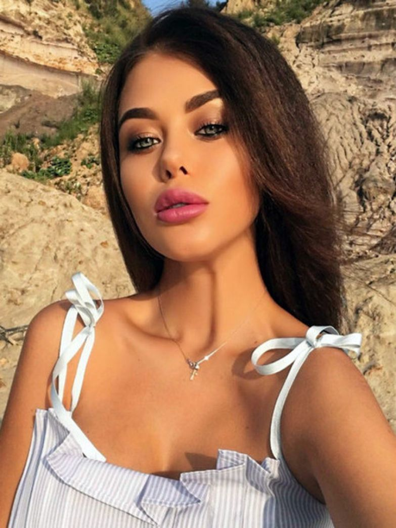 Евгения Дравина хотела сотрудничать с Игорем Матвиенко, но в итоге продюсер не заинтересовался ее вокальными данными