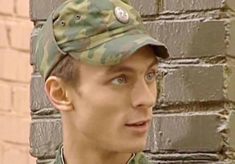 В первом сезоне комедии центральную роль занимал герой Александра Лымарева