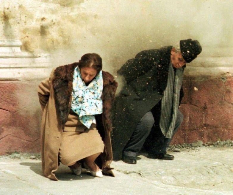 Расстрел Николае и Елены Чаушеску. | Фото: romaniadacia.wordpress.com.