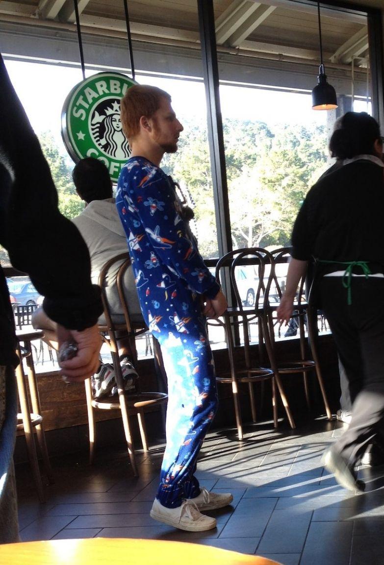 За утренним кофе - в утренней пижаме приколы, смелость города берет, уверенность, фото