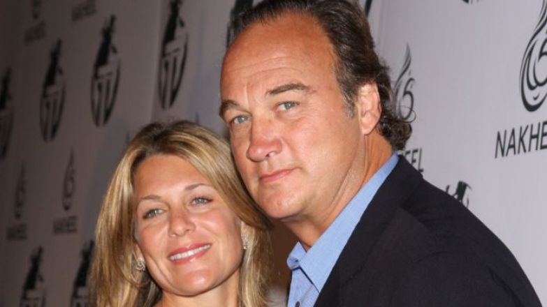 Крепкая семья: Джеймс Белуши и Дженнифер Слоун./ Фото: picstopin.com