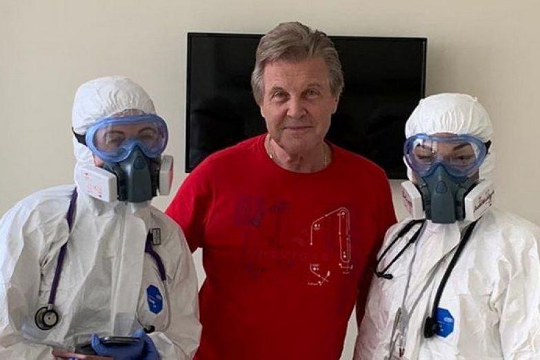 За время нахождения в больнице Лещенко успел подружиться со многими медиками