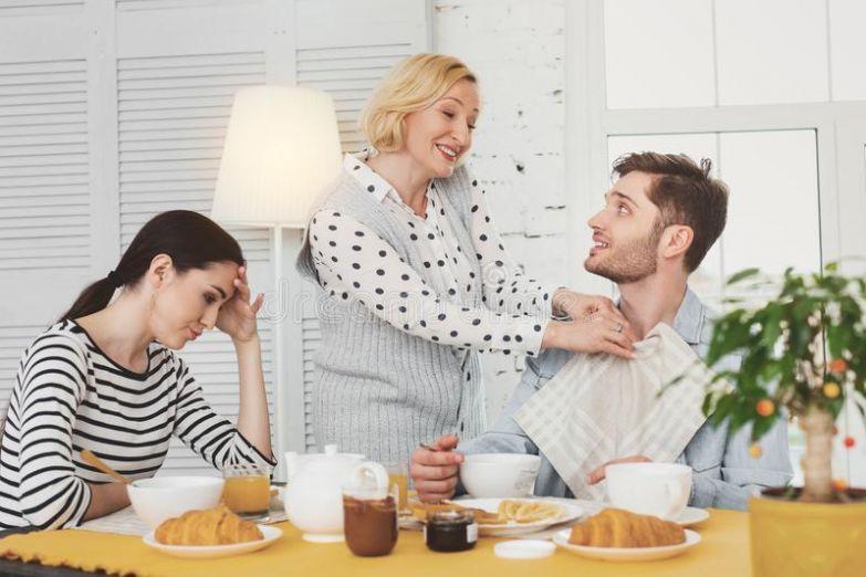 Как вовремя отпустить дочь и выгнать взрослого сына из дома?