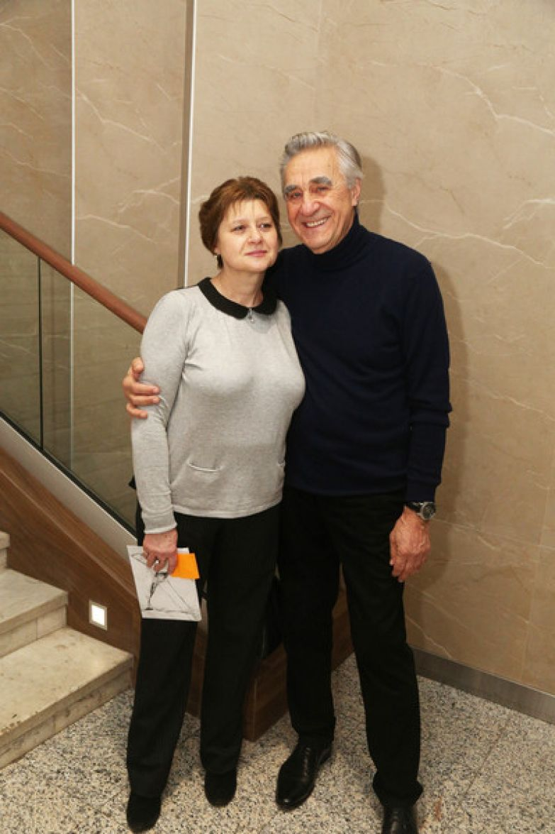 В начале 90-х актер женился во второй раз