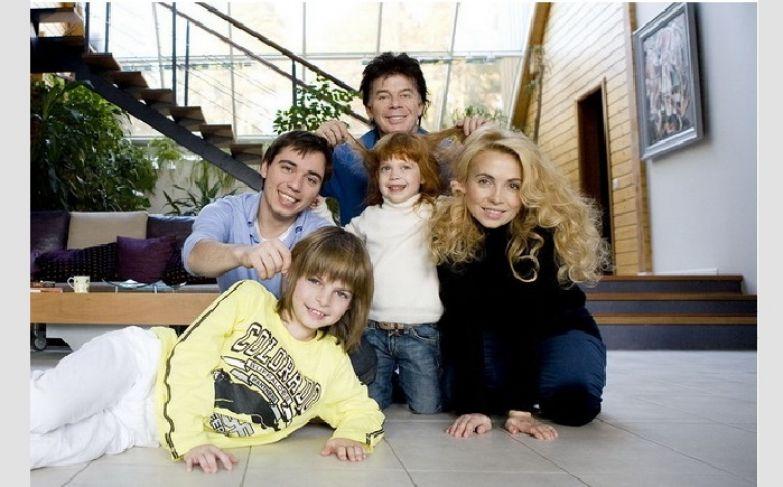 Семья Газманова. Дети: Родион, Филипп, Марианна.
