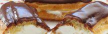 Эклеры «Жизнь прекрасна»  Рецепт:   Воздушные эклеры с творожно-сливочным кремом и шоколадной помадкой. Начинка хорошо держит форму, не вытекает, имеет замечательный вкус и текстуру. Попробуйте! #готовимдома #едимдома #кулинария #домашняяеда #десерт #эклеры #крем #творожный #сливочный #шоколадная #помадка #вкусноеугощение #французскийдесерт