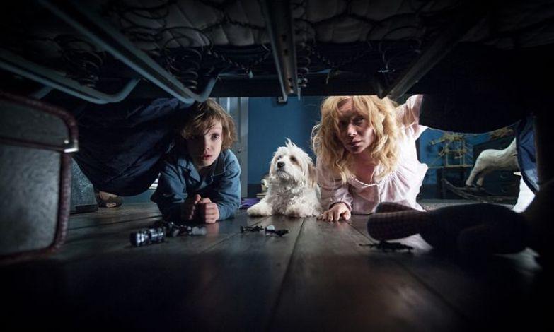 Эксперты выбрали самые страшные фильмы современности, замерив пульс зрителей. Смотреть только со светом