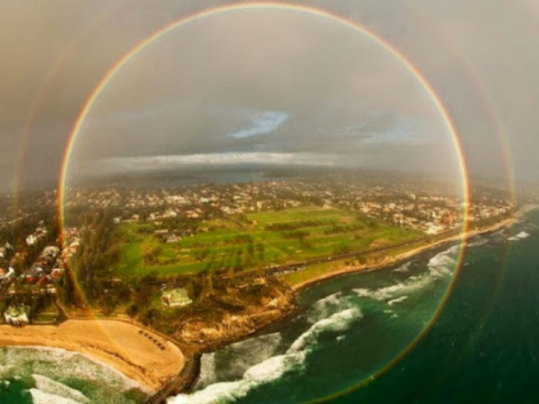 "Результат пошуку зображень за запитом ""circle rainbow from airplane"""
